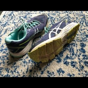 Cute ASICS Running Shoes Size 7.5